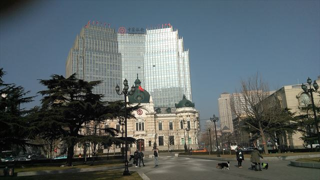大連市内にある最大規模の公園である中山広場