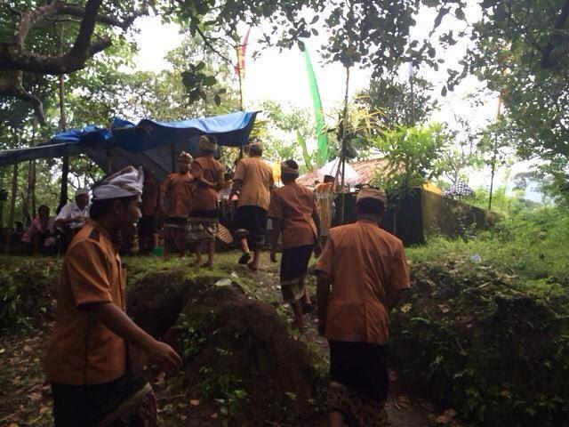 バリ島の村落で行われる祭事の様子
