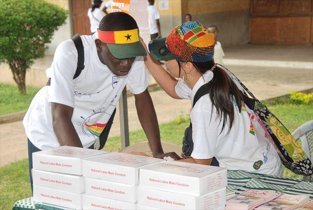 ガーナの若者向け医療啓発イベントにて