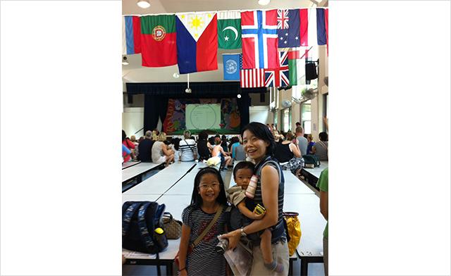 シンガポール時代の飯沼さんと息子さんと娘さん