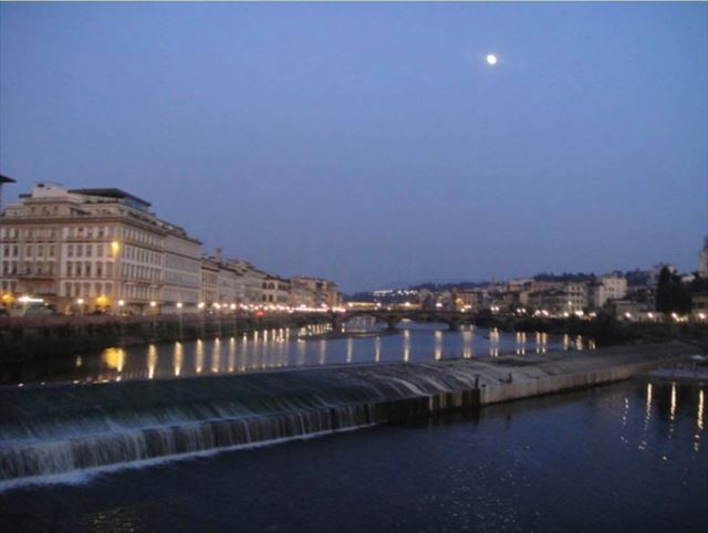 石井さんがフィレンツェで毎日通った橋からの風景
